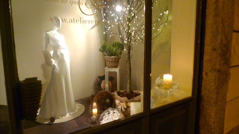 Top Allestimento vetrine e negozi che vendono abiti da sposa  SY05